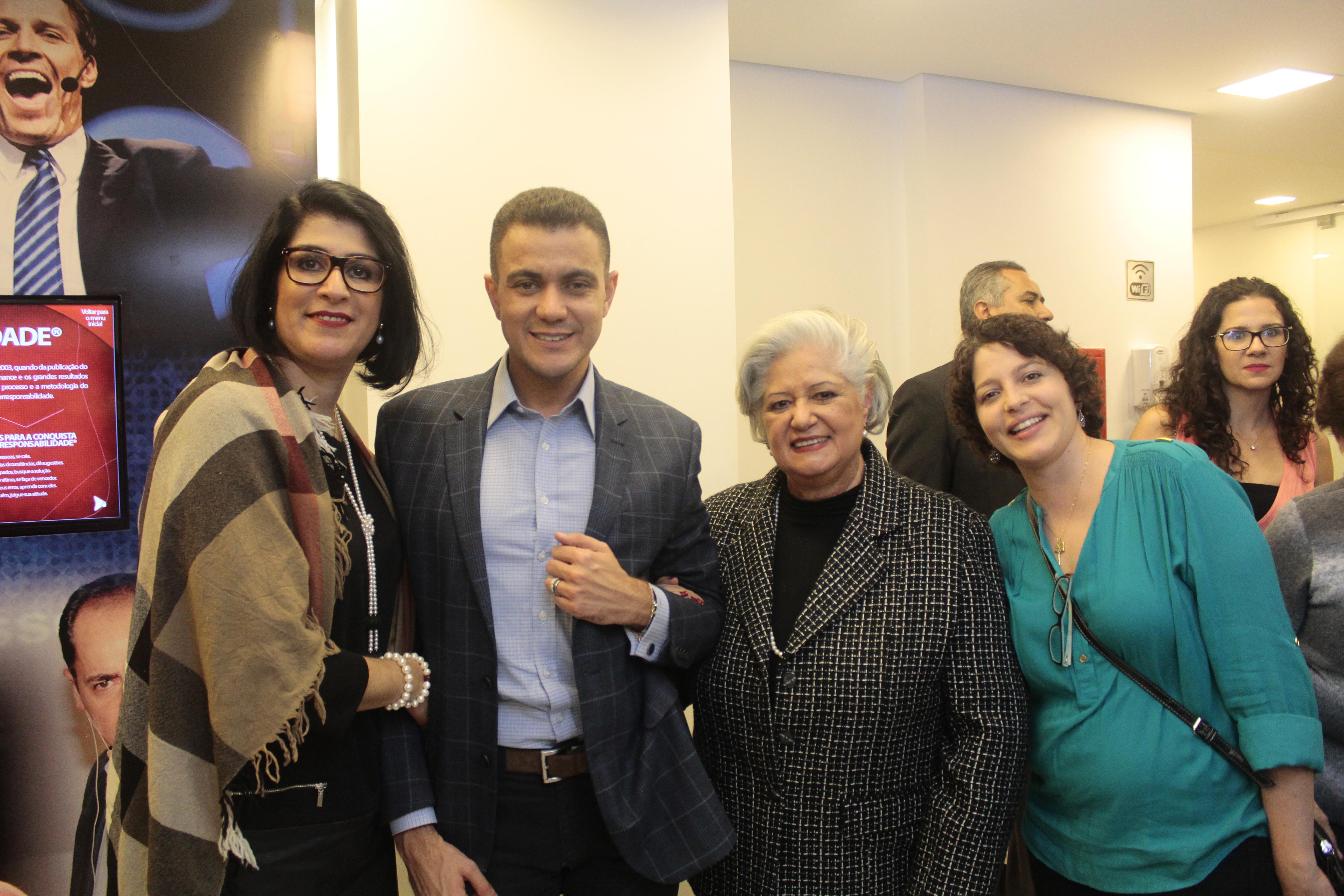 Beatriz Borges, Tiago Correia,Maria Alice, Ludmila Freitas.