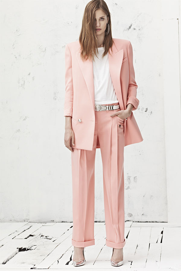 look-terninho-rosa-quartz-e-sapato-prateado