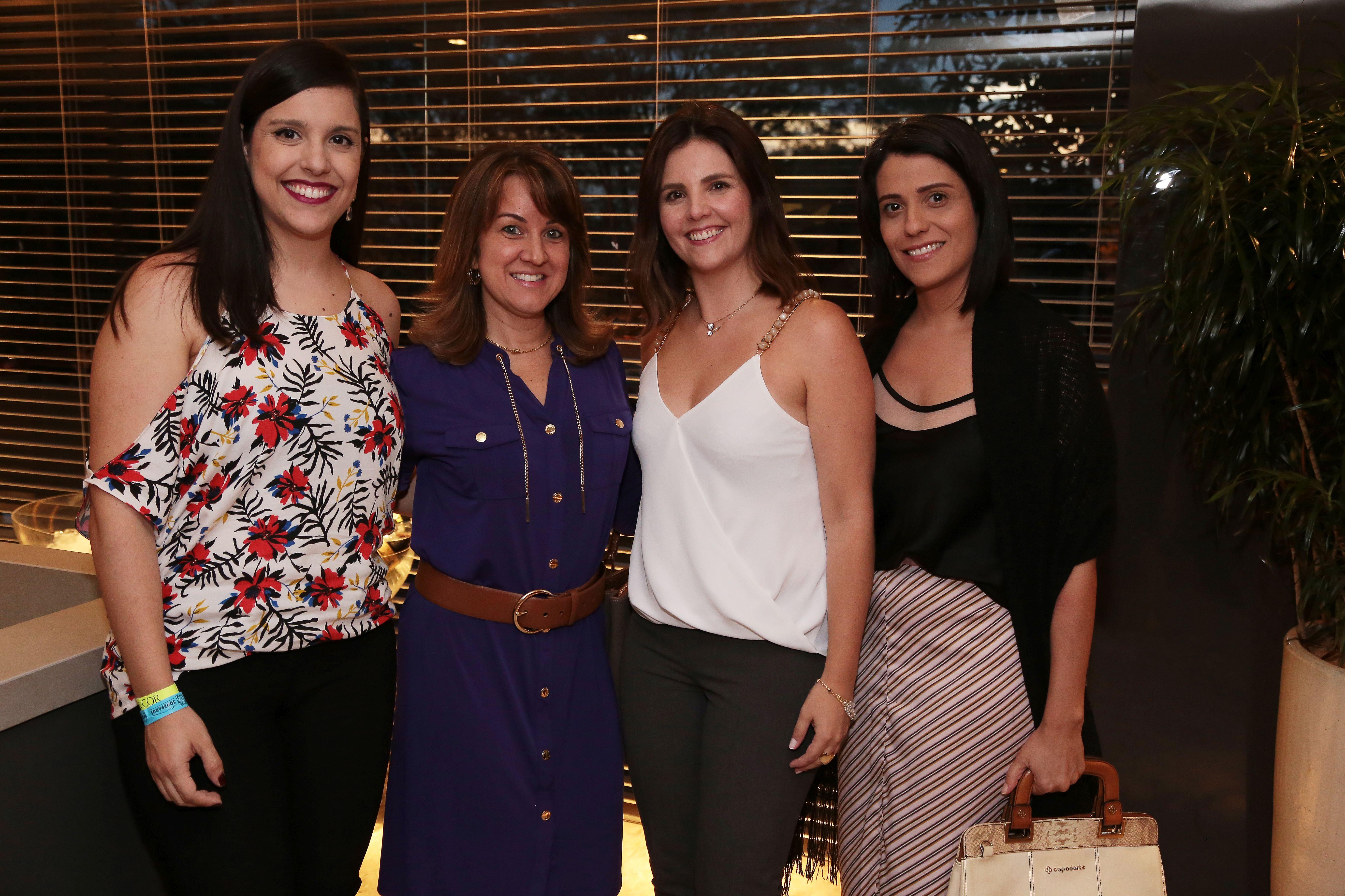 Ismenya Lira, Gislaine Garonce, Adriana Nunes e Tatiana Martins