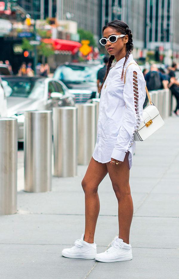 look-street-style-camisa-branca-tenis-cano-medio-nike-oculos-oval-160926-101424