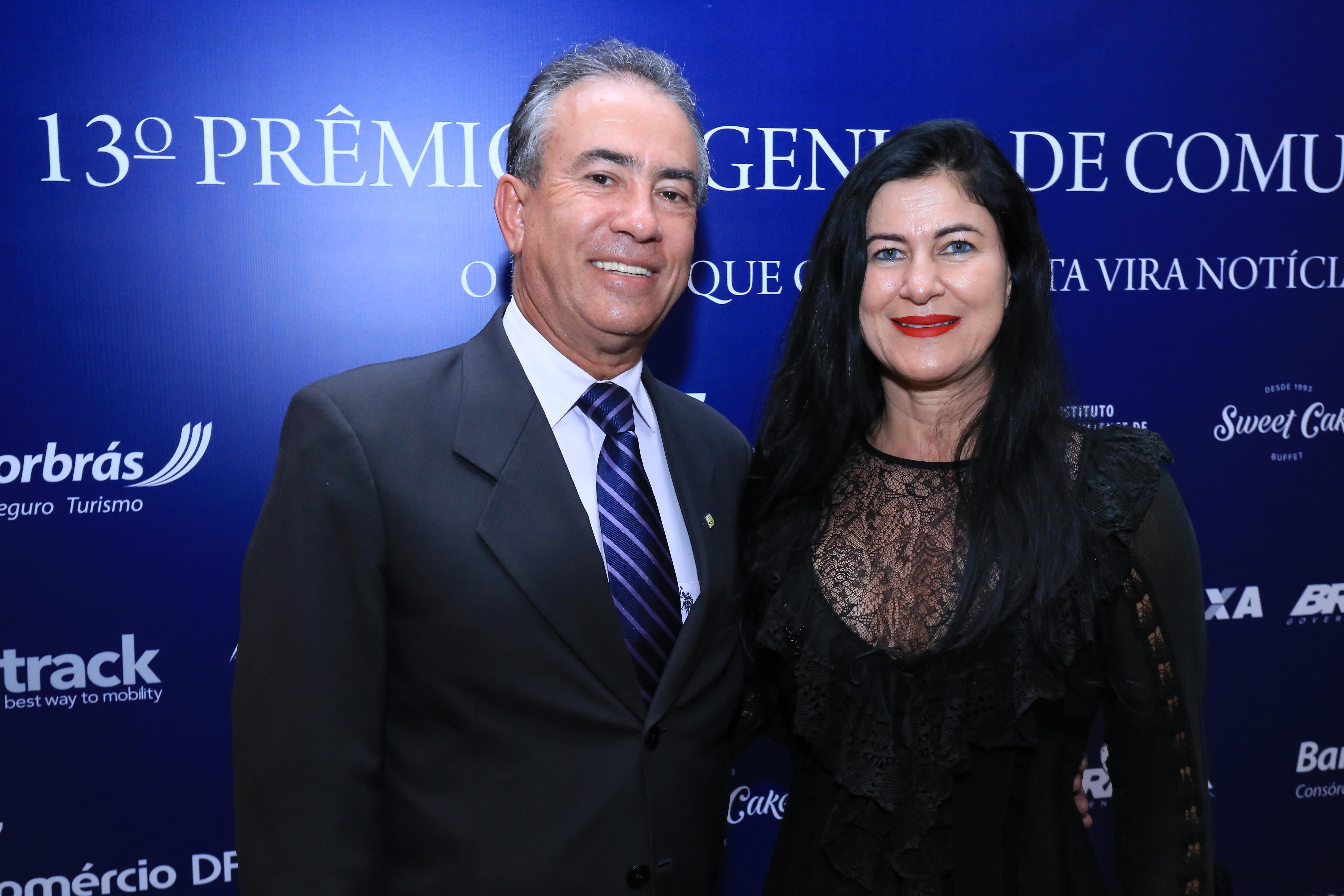 O presidente ACDF Cleber Pires e a esposa Cida Pires